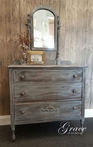 Dixie Belle Chalk Paint - GRAVEL ROAD