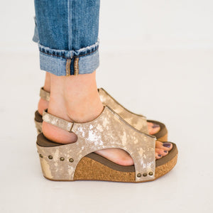 Corkys Carley Wedge in Gold