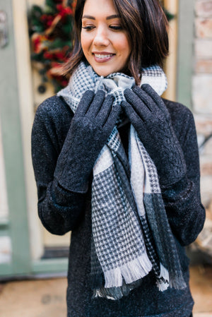 Charcoal Cable Knit Gloves