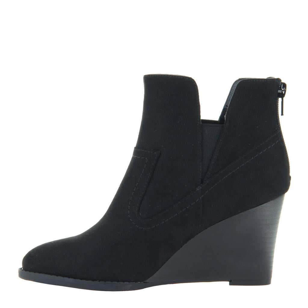 MADELINE - FANTASYLAND in BLACK Ankle Boots
