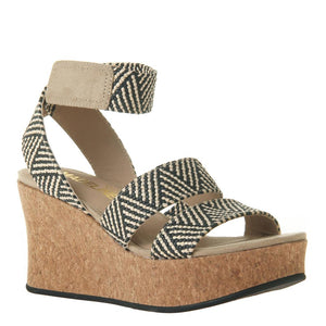 MADELINE GIRL - SWOLE in BLACK Wedge Sandals