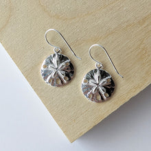 Load image into Gallery viewer, Sand Dollar Earring