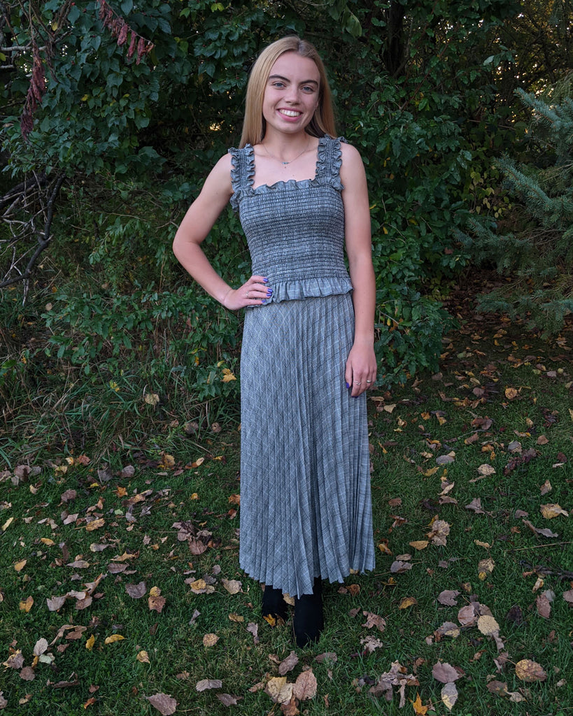 sunburst skirt, easy sewing project, upcycled glen plaid fabric, unique sewing project, sewing blog, plus size sewing pattern, sewing project for beginners,  knife pleat skirt, accordion pleat skirt, sunburst pleat skirt, threadymade, Paris skirt. Frankie top, smocked top