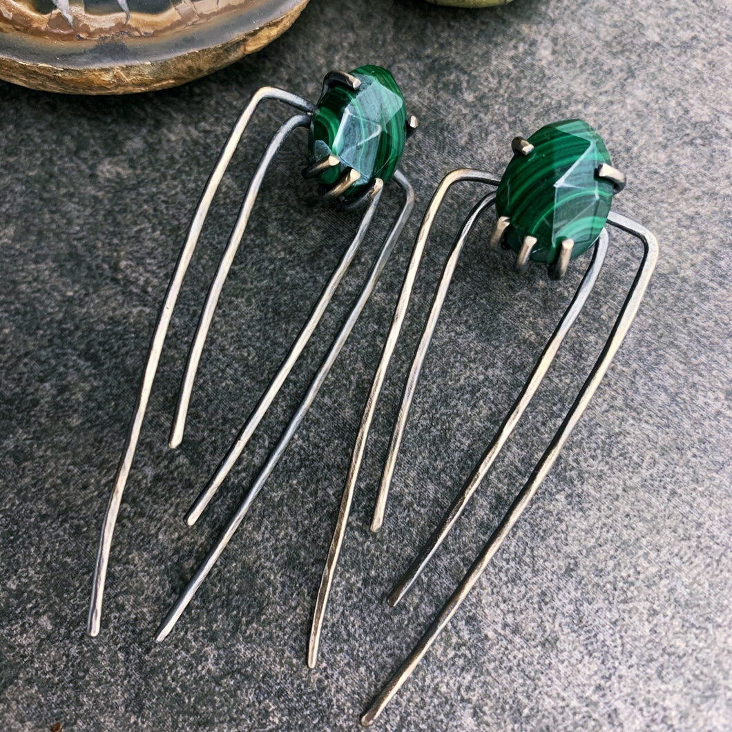 Talon Earrings in Silver with Malachite