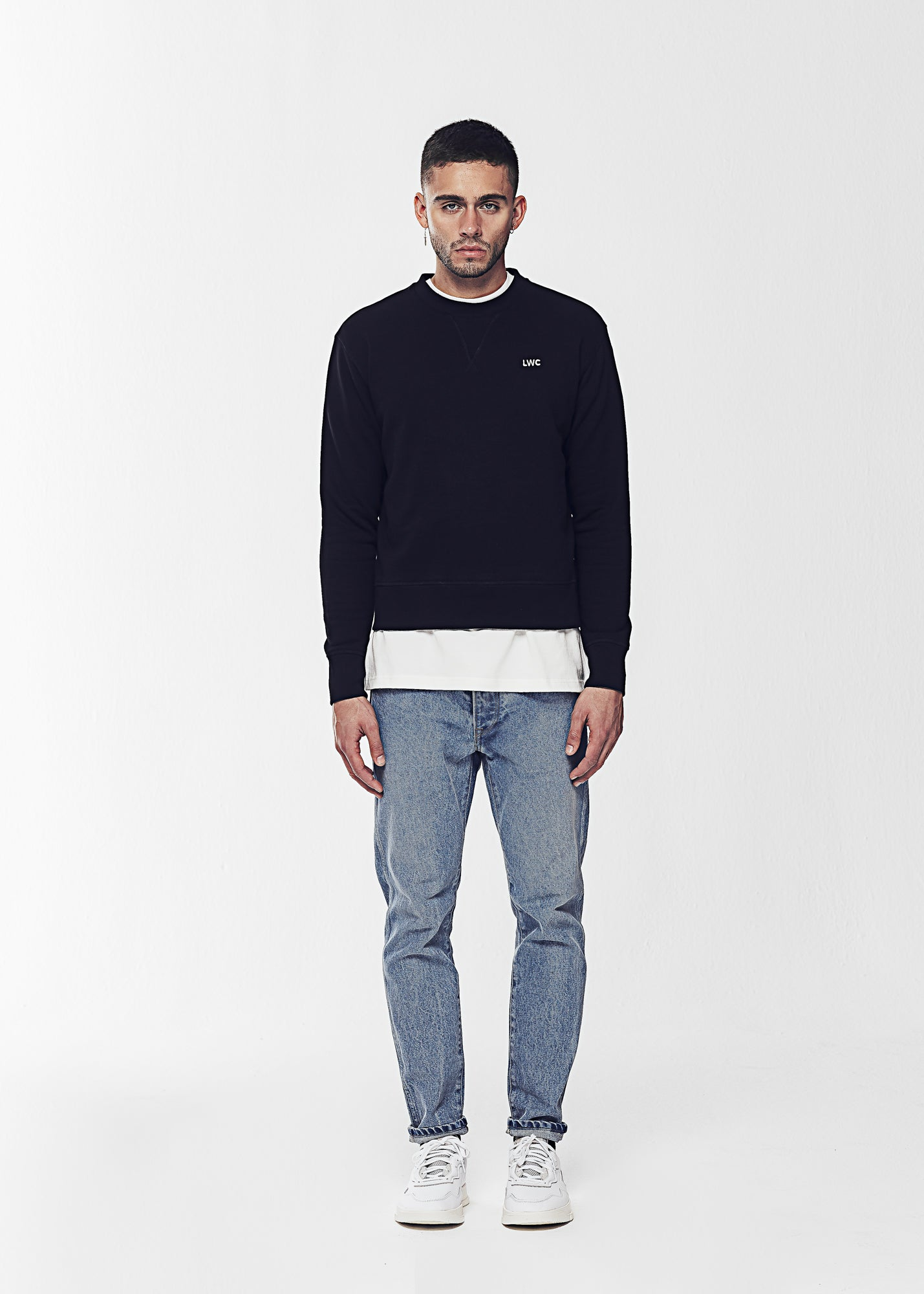 Load image into Gallery viewer, TAILORED SWEATSHIRT