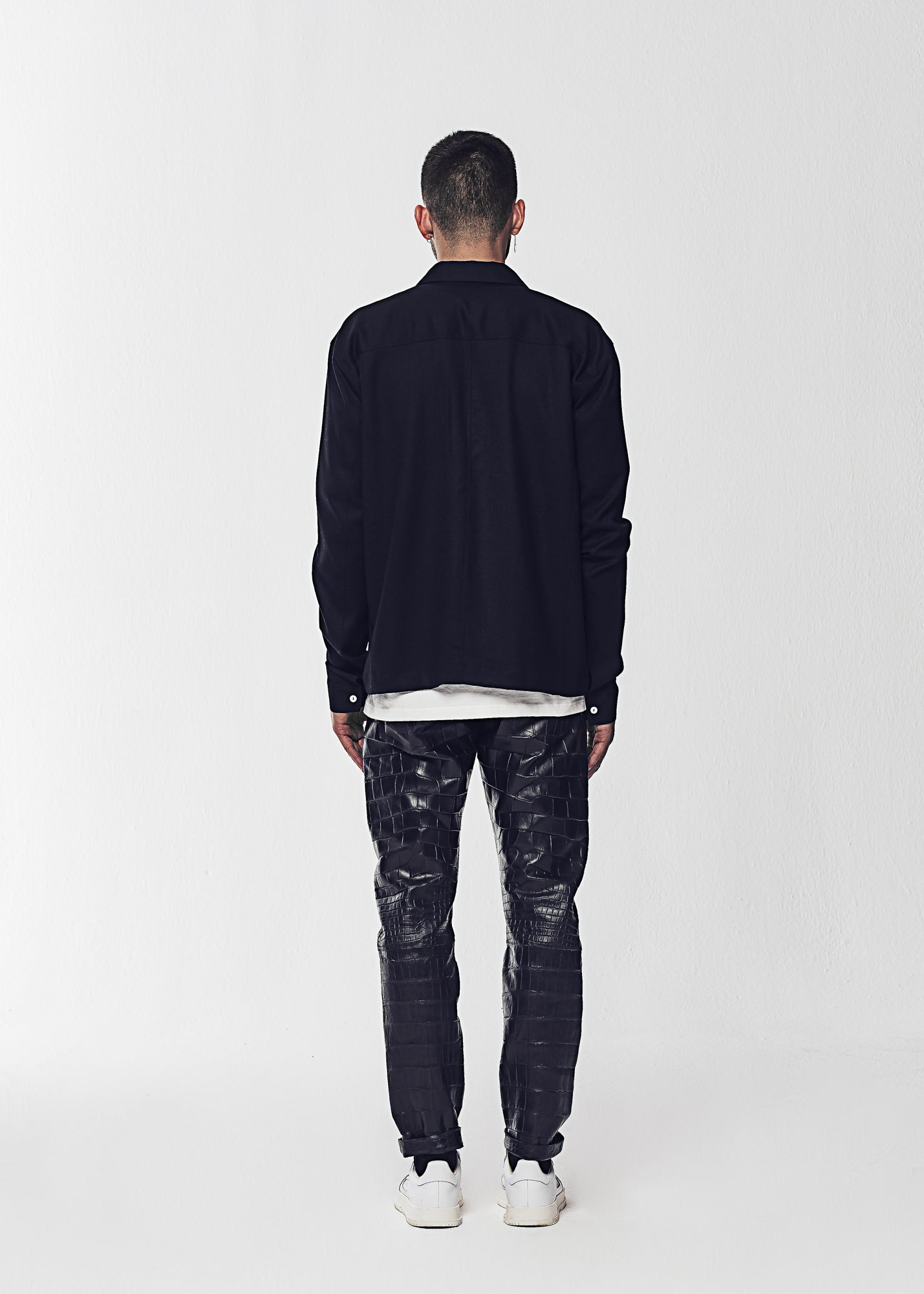 Load image into Gallery viewer, DENIM JEANS (GENUINE ALLIGATOR)