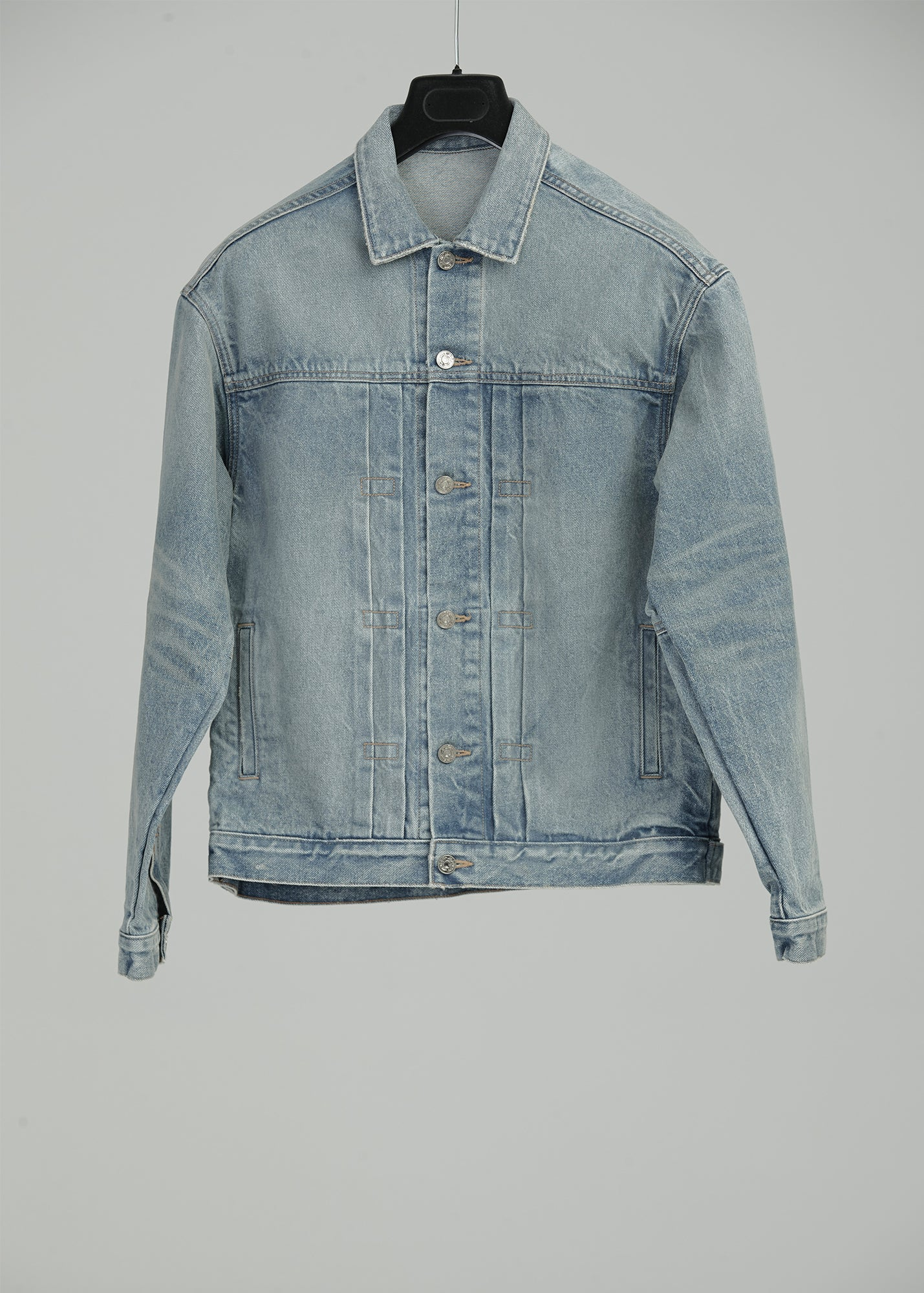 Load image into Gallery viewer, DENIM TRUCKER JACKET