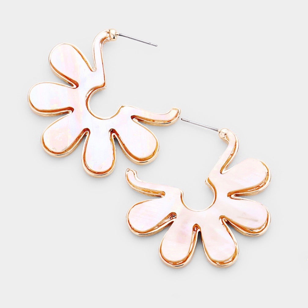 Flower Shell Earrings - White