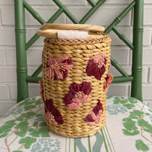 Load image into Gallery viewer, Straw Flower Bucket Bag