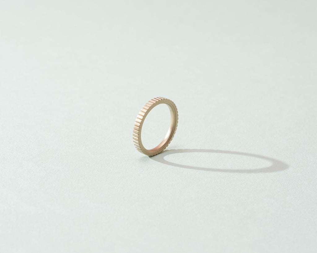 Gleichenia Jewelry 18 karat raw white gold ring in matte finish, simple yet joyful design.