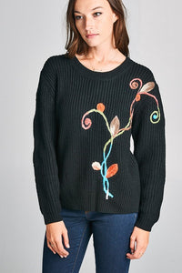 EMBROIDERED SCOOP NECK SWEATER