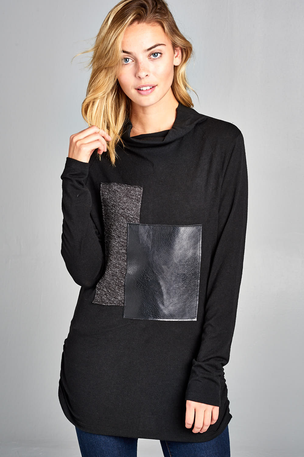 Loose Turtle Neck Sweater with Leather Block Pattern