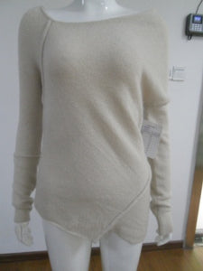 LONG SLEEVE SOFT KNIT SWEATER