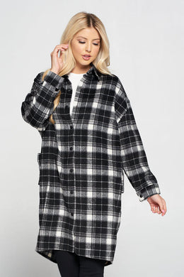 Oversize Plaid Coat with Collar and Button Detail