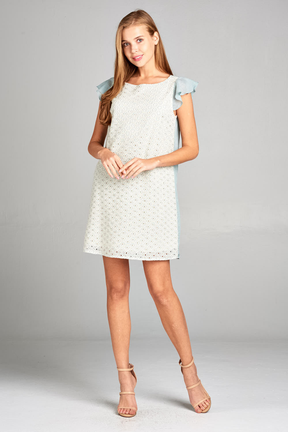 SHORT SLEEVE WITH LACE DETAIL DRESS