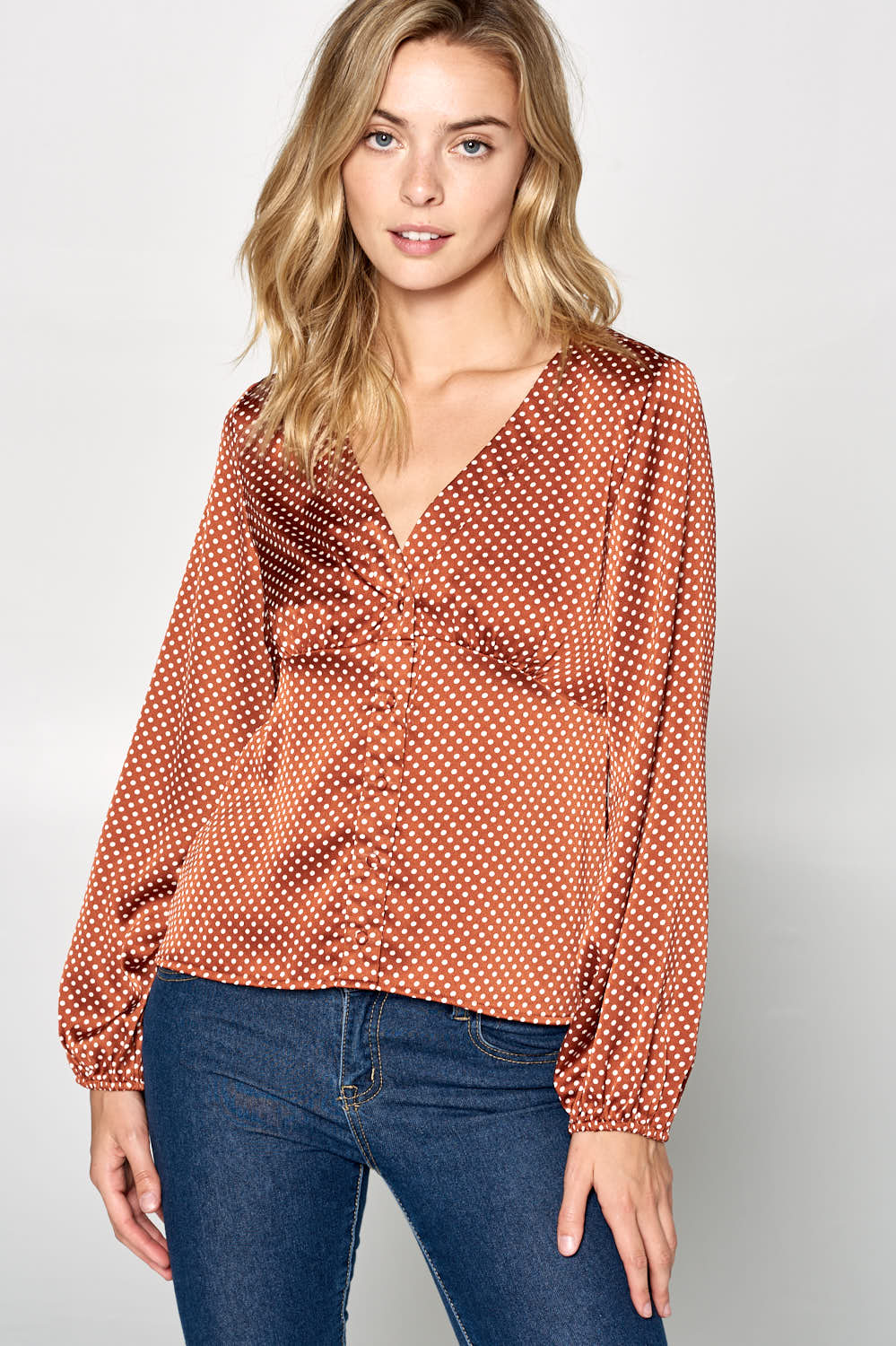 LONG SLEEVE V-NECK POLKA DOT TOP