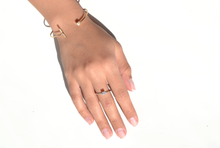 Load image into Gallery viewer, LA TERRA JEWELERY GEO SQUARE BAR 18K GOLD
