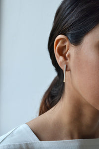 LA TERRA SLIM BAR EARRINGS