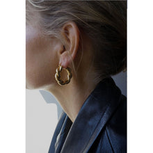 Load image into Gallery viewer, CU JEWELLERY VICTORY BIG TWIN EAR SILVER