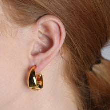 Load image into Gallery viewer, SYSTER P BOLDED EARRINGS GOLD EG1135