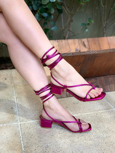 Sandália lace up metalizada