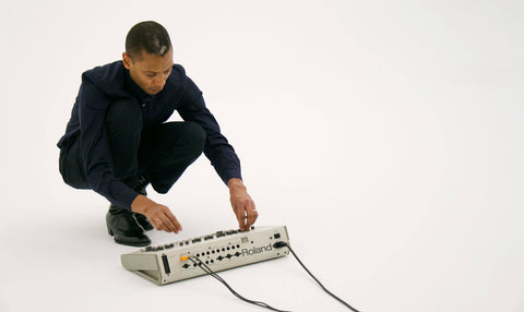Jeff Mills Playing a Roland TR-909