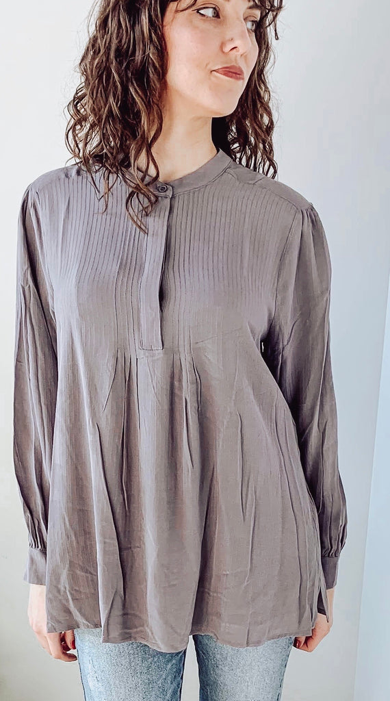 EFFORTLESS EXAMPLE TUNIC TOP