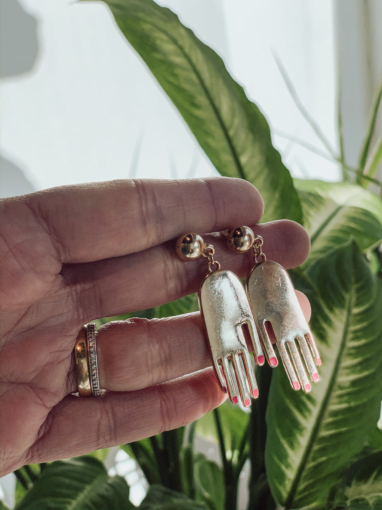 GABRIELLA HAND EARRINGS
