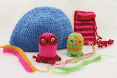 Buttonbag Crochet Kit Suitcase Monsters