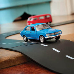 Waytoplay Highway 24 Piece Rubber Road Set Car