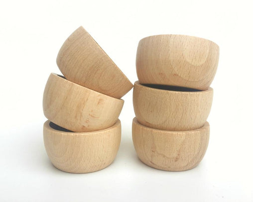 6 Wooden Bowls