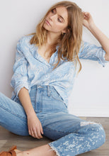 Load image into Gallery viewer, Bella Dahl Tropical Chambray Shirt