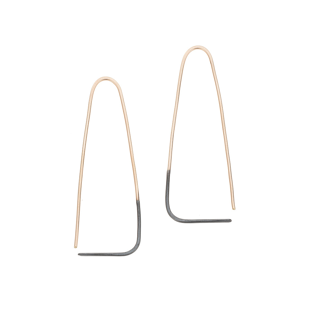E307x.yg Large Two-Toned Mixed Metal Triangle Pull-Through Earrings in Yellow Gold and Black Oxidized Sterling Silver