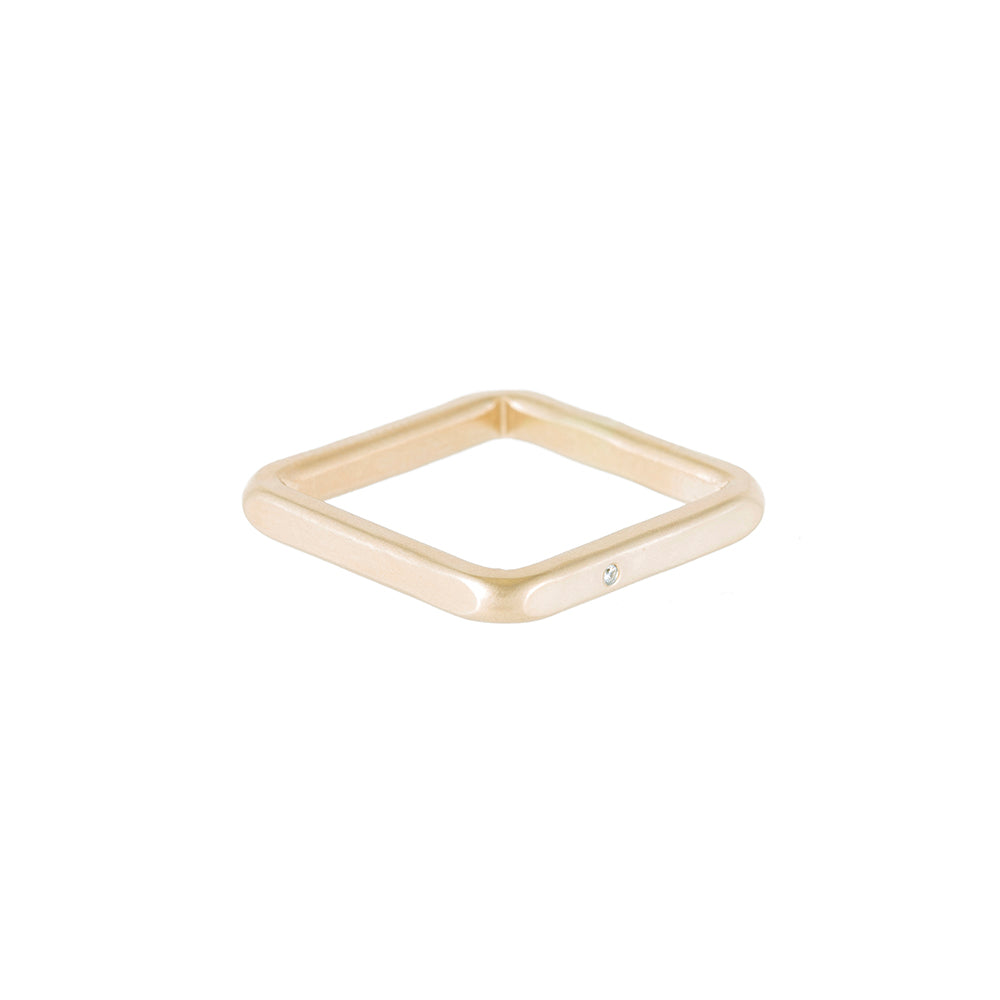 TGSQ.yg-k-1.0 2.5mm Wide 14k Gold Square Ring with Diamond in Yellow Gold