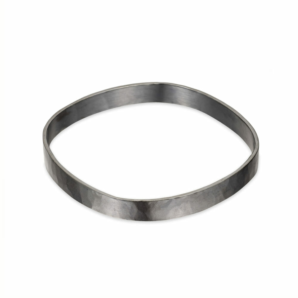 B98x 8mm Wide Square Bangle in Black Oxidized Silver