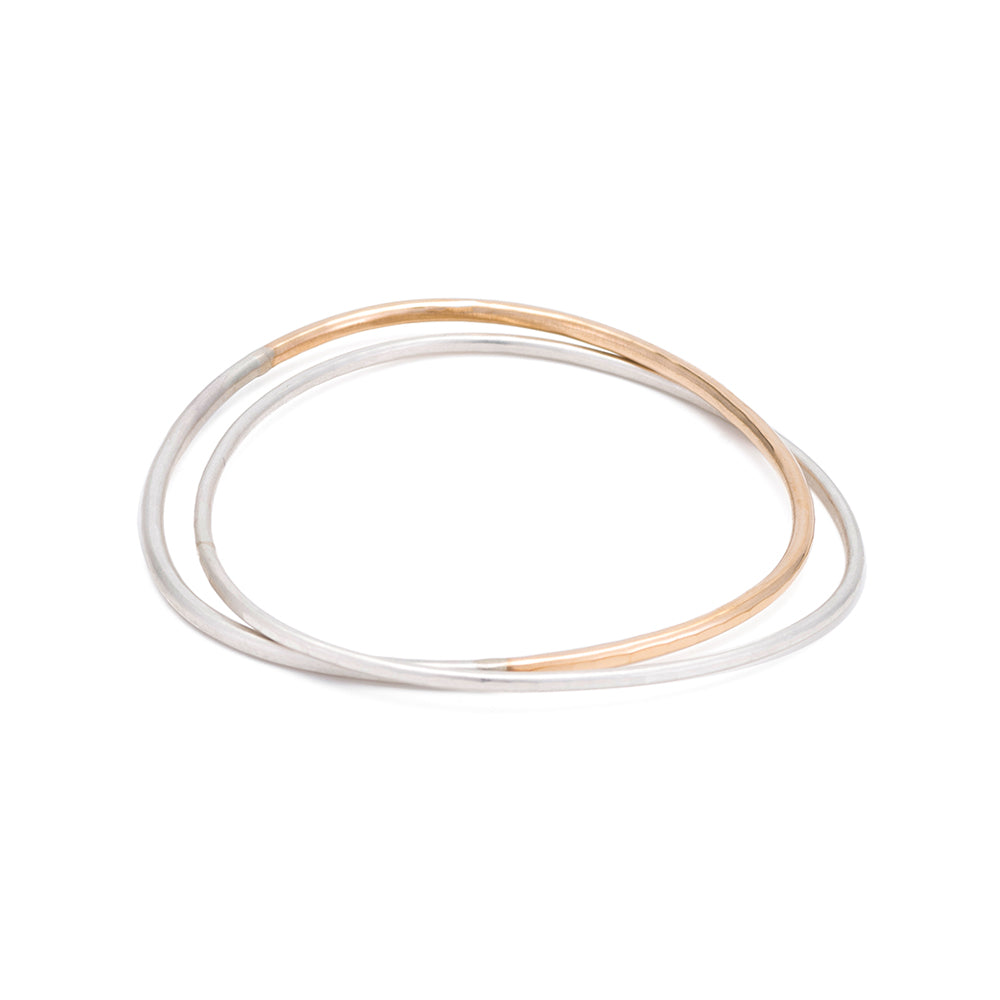 B101.2s.yg 2-Loop Two-Toned and Monotone Interlocking Bangle in Silver and Yellow Gold