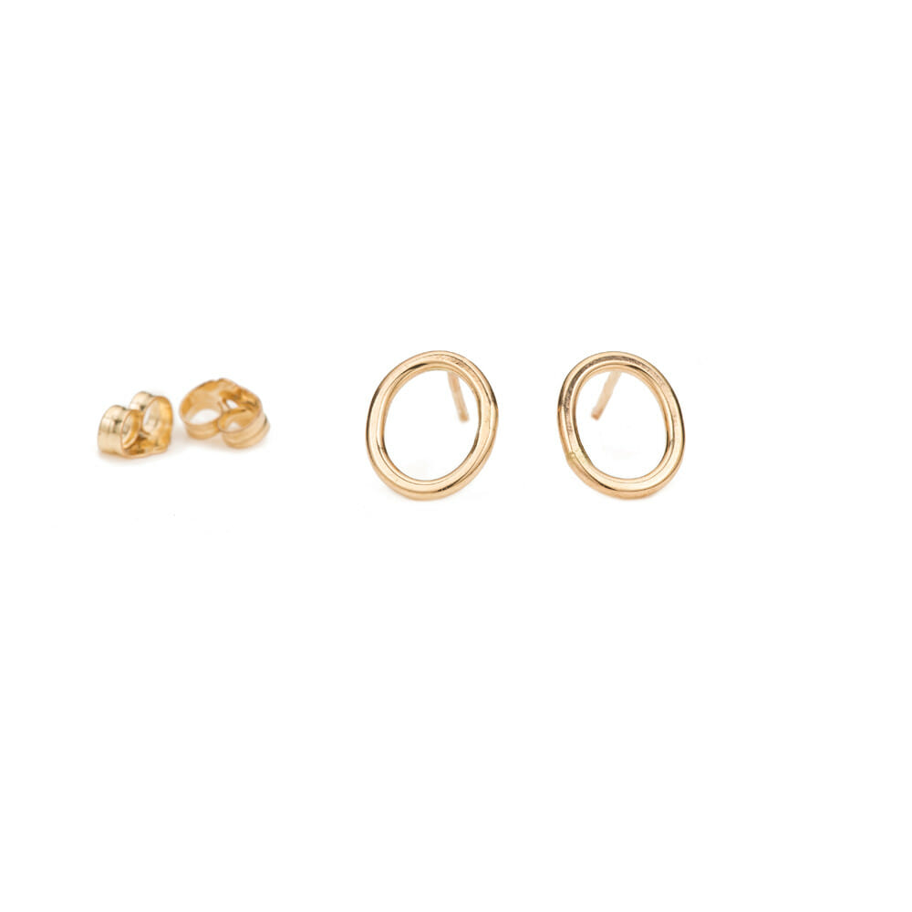 E291yg Small Oval Studs in Yellow Gold