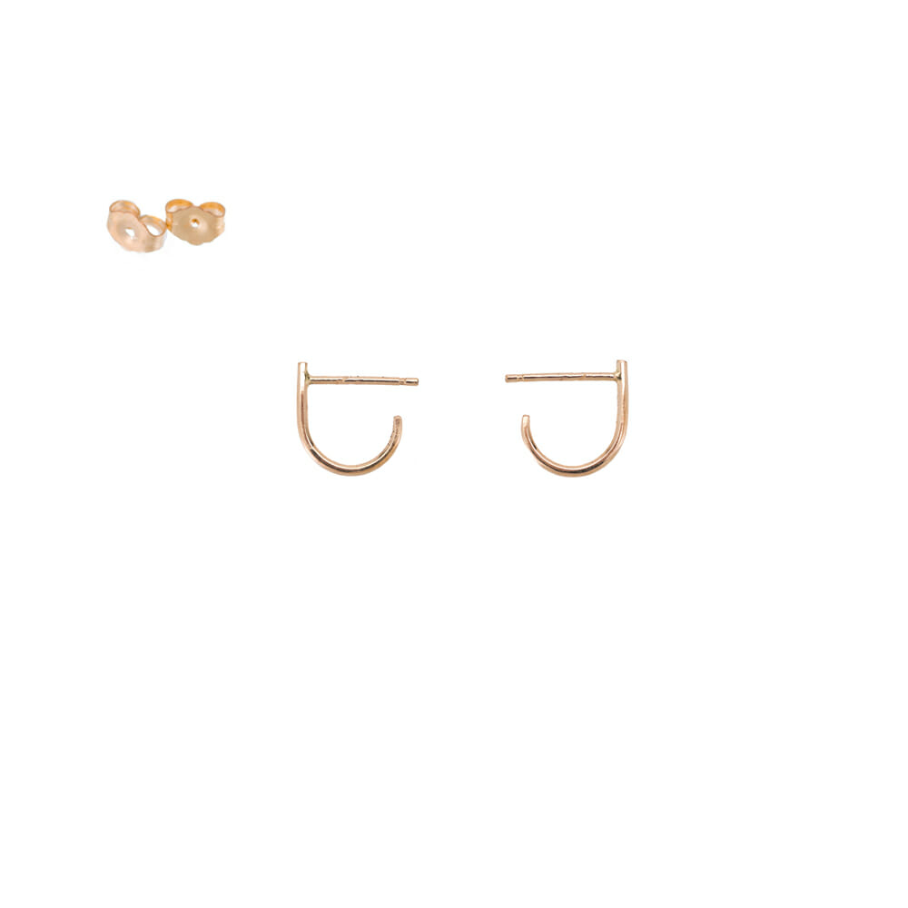 E340yg J Post Earrings in Yellow Gold