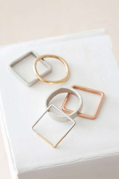 R46.sq.rnd 5-Stack Mixed Shape Ring Stack