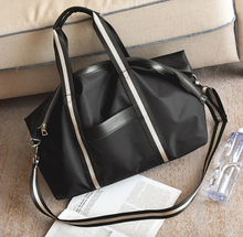 Load image into Gallery viewer, Leather Weekend Bag