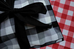Black and White Picnic Treat Wrap