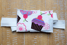 Load image into Gallery viewer, Cupcake Gift Card Wrap
