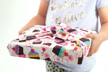 Load image into Gallery viewer, Pink Cupcake Gift Wraps