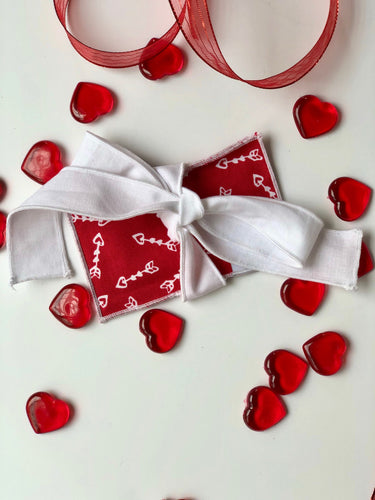 Red Arrow Valentine Gift Card Wrap