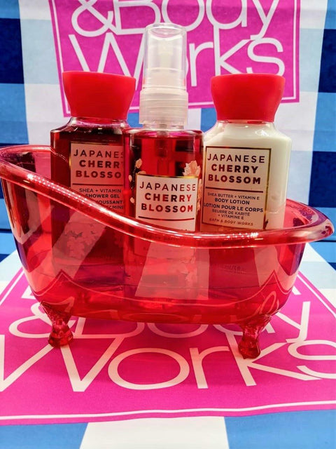 Bath & Body Works Japanese Cherry Blossom Bathtub Gift Set
