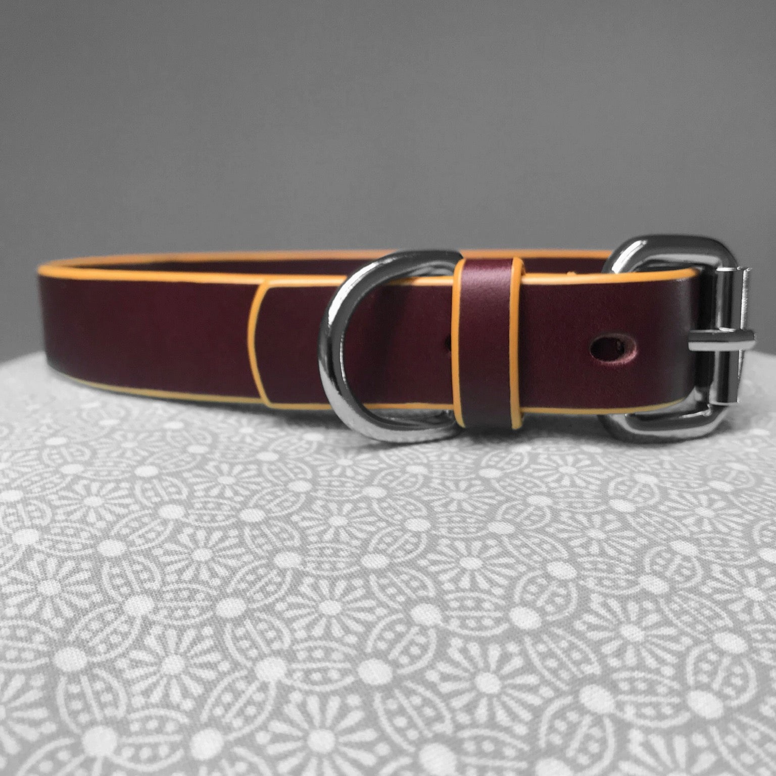Stark Leathergoods Stark Leathergoods bespoke, burgundy, collar, vegetable tanned leather, yellow