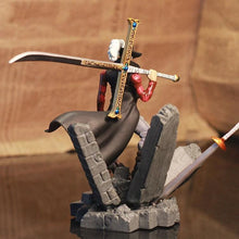 Dracule Mihawk Figurine - One Piece