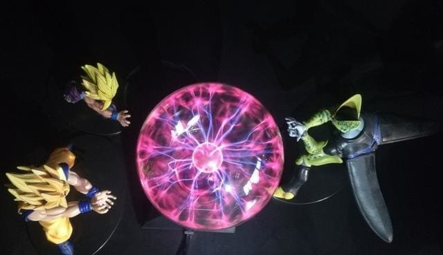 Lampe Tactile Gohan et Goku contre Cell - Rouge