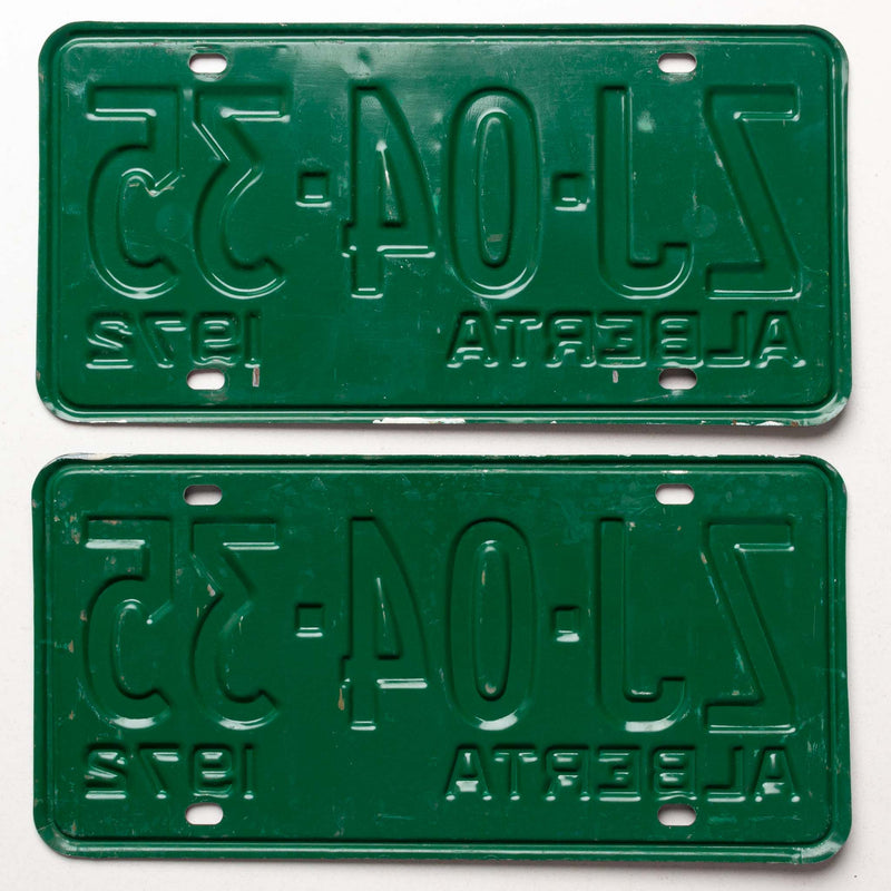 1972 Passenger License Plates Pair Mint Zj0535