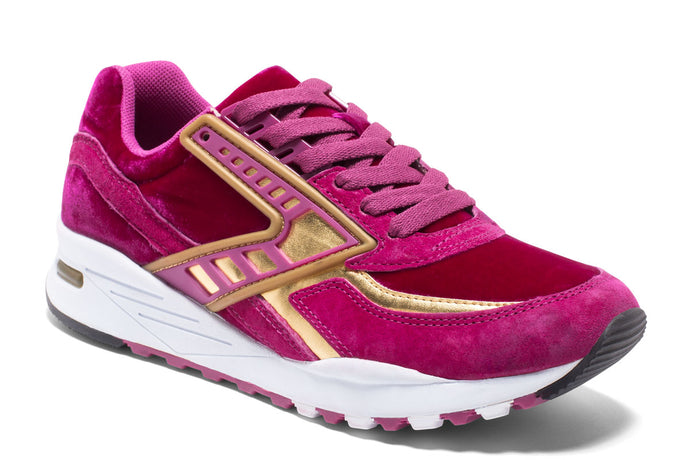 Brooks Regent Women Pink / 7.5 Sports Shoes India